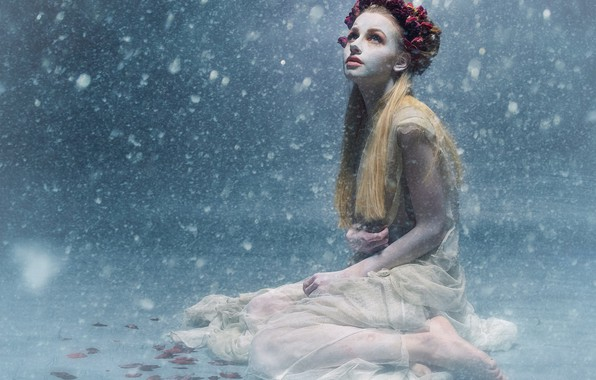 Picture girl, snow, pose, wreath, cold, Jessi Lindl