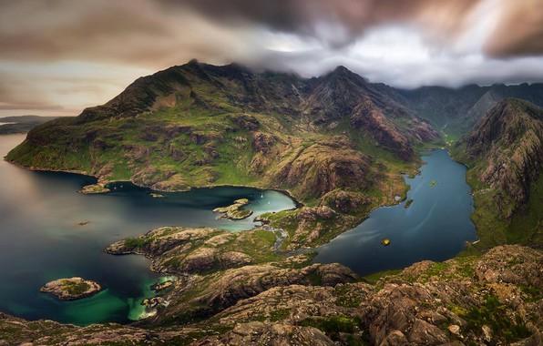 Picture mountains, lake, Scotland, Isle of Skye