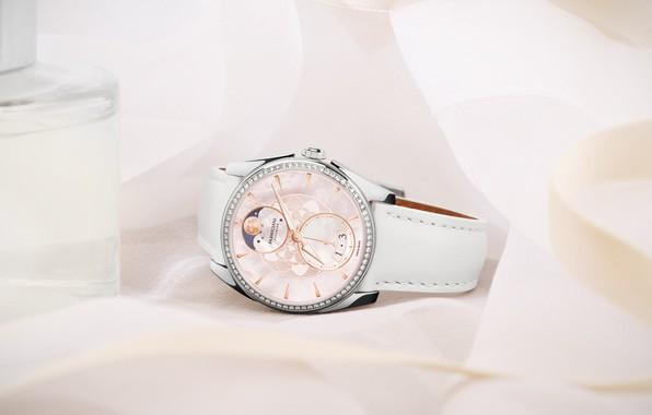 Picture lifestyle, Luxury, Swiss Luxury Watches, Tonda MÉTROPOLITAINE SELENE, modyluxurylife, Parmigiani Fleurier