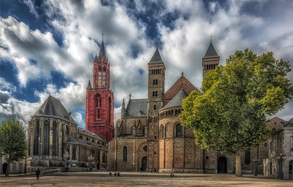Picture the sky, the sun, clouds, trees, people, HDR, area, Church, temple, Netherlands, Maastricht