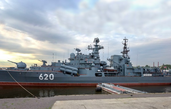 Picture destroyer, Museum ship, the project 956, Kronstadt, restless
