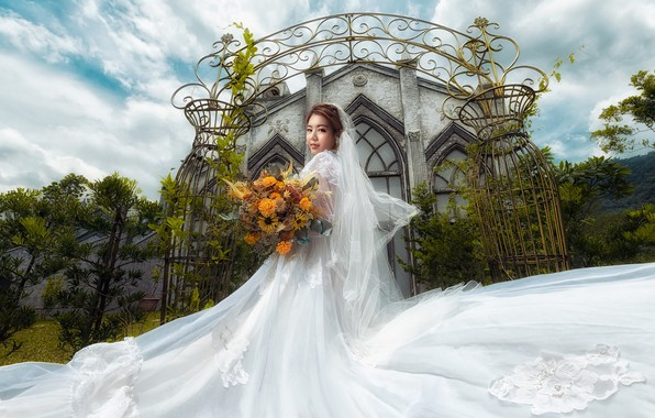 Picture the sky, look, girl, clouds, flowers, holiday, white, the building, bouquet, gate, turn, garden, arch, …
