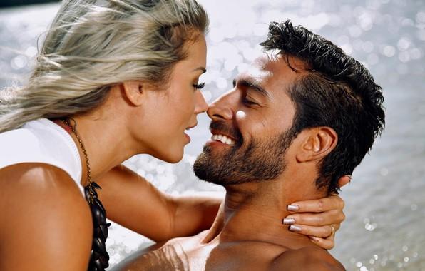 Picture wet, river, smile, water, bath, man, kiss, couple, brunette, blonde, joy, Aryane Steinkopf, necklace, beard, …