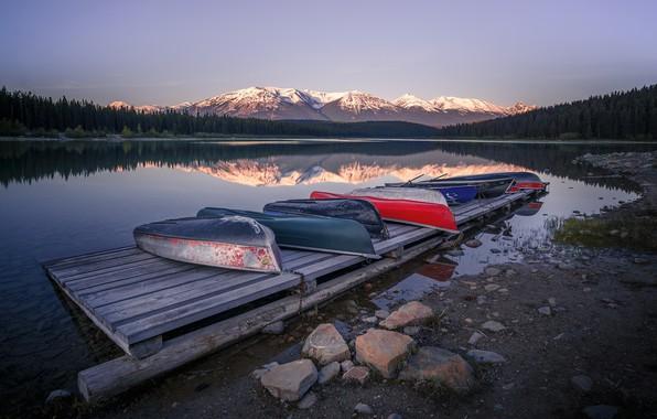 Picture Jasper, Jasper National Park, early morning, Boats, Cananda