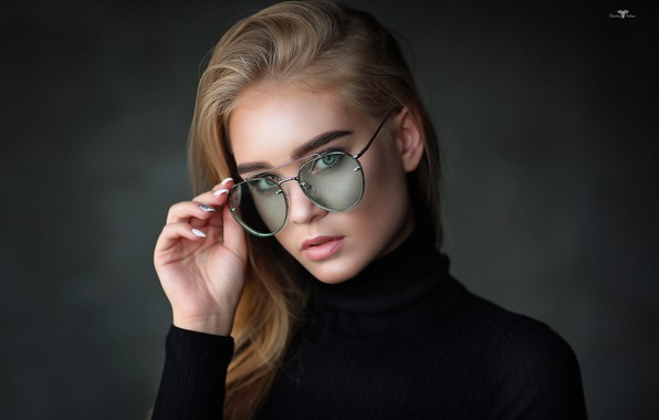 Picture look, girl, face, background, hand, portrait, glasses, Dmitry Arhar