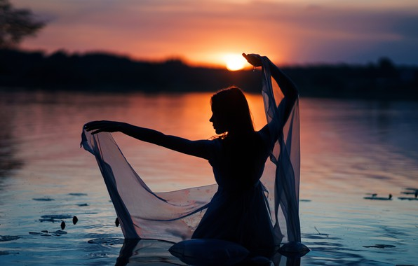 Picture girl, sunset, silhouette, in the water, Sergey Kuzichev