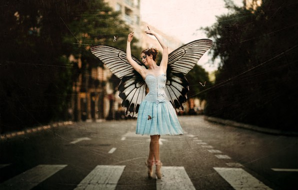 Picture girl, the city, street, butterfly