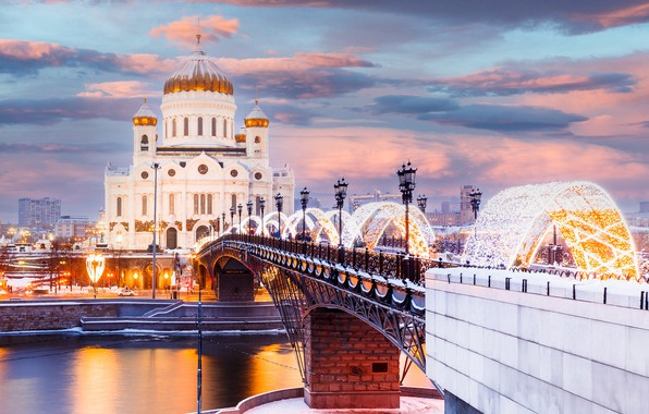 Picture winter, bridge, river, Moscow, Cathedral, temple, Russia, illumination, The Moscow river, The Cathedral Of Christ …