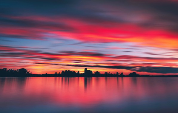 Picture night, lake, castle, Trakai, Lithuania