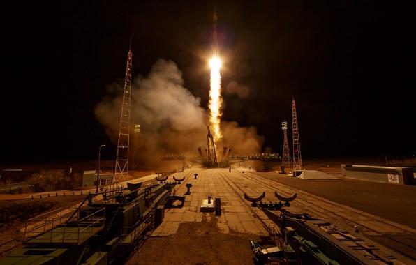 Picture rocket, start, Soyuz MS-12