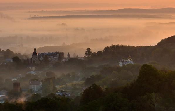 Picture fog, horizon, Ukraine, lions, the city, home, sunrise, high castle, nebokray, Church, derieva
