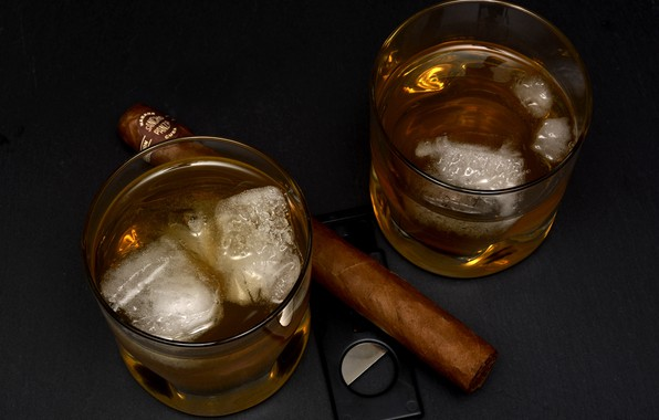Picture ice, cigar, glasses, whiskey