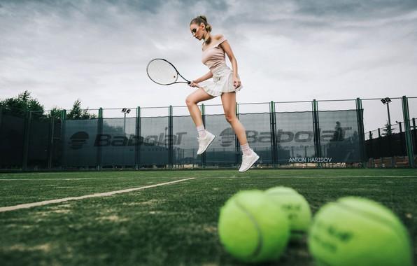 Picture jump, skirt, balls, racket, tennis, Anton Kharisov, Katrin Sarkozy