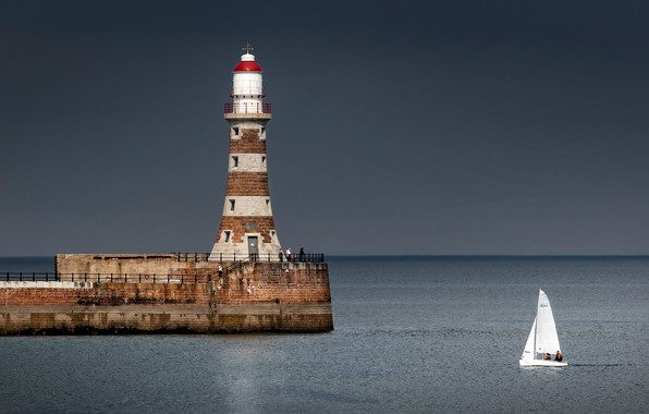 Picture sea, lighthouse, England, yacht, England, North sea, North Sea, Sunderland, Sunderland, Roker Lighthouse, Beacon Rocker