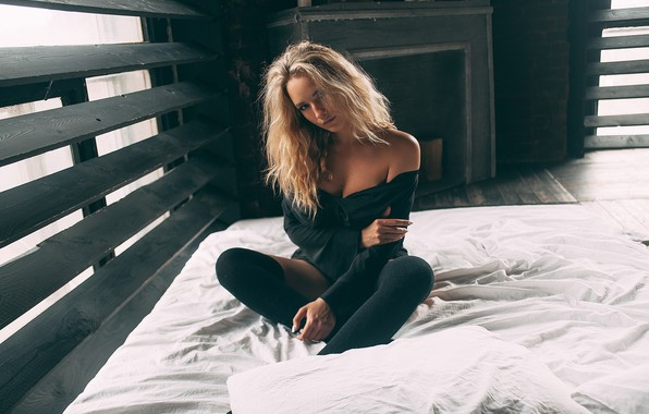 Picture look, girl, pose, bed, neckline, Alina, Rome Rome