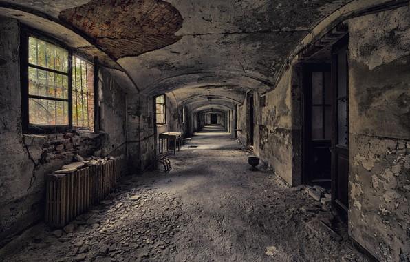 Picture Windows, door, corridor