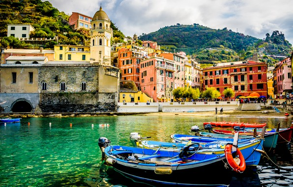 Picture sea, mountains, the city, people, shore, bright, building, tower, home, boats, Italy, architecture, structure, on …