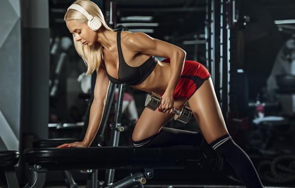 Picture girl, sport, headphones, the gym, fitness, dumbbells