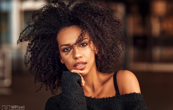 Picture look, pose, model, portrait, makeup, brunette, hairstyle, curls, in black, bokeh, dark, Wojtek Polaczkiewicz