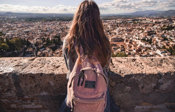 Picture the city, Girl, backpack
