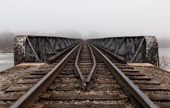 Picture bridge, fog, railroad