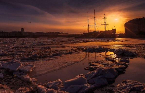 Picture ice, harbour, sunset in the city, sailing ship