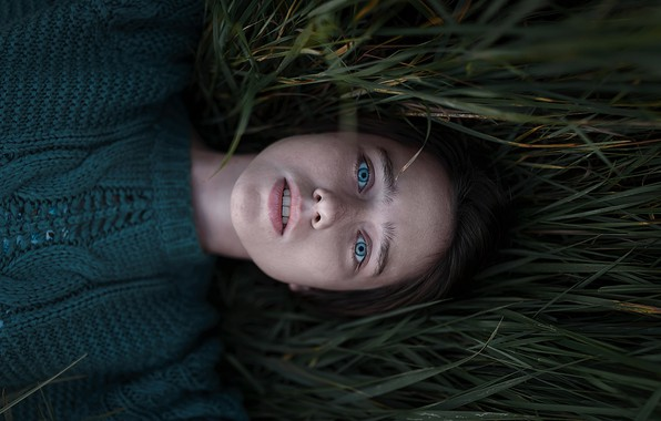 Picture in the grass, blue-eyed, sweater, Vika, Aleks Five