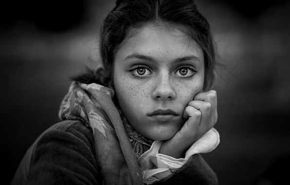 Picture girl, freckles, monochrome