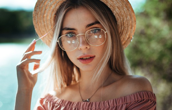 Picture look, girl, face, hand, portrait, glasses, hat, Ruslan Kid