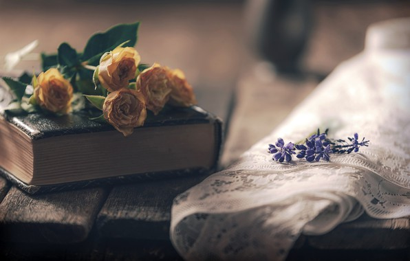 Picture flowers, books, roses