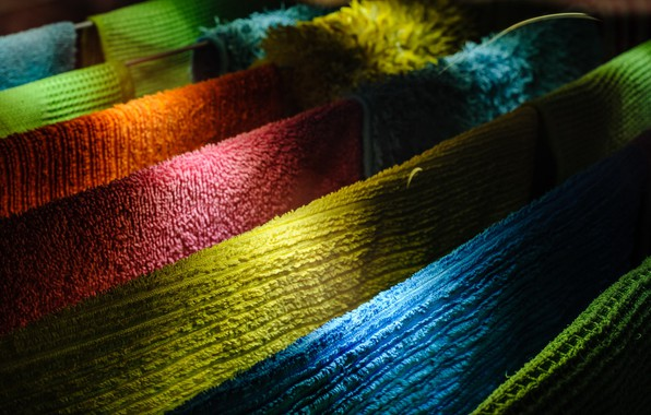 Picture light, color, shadow, towels
