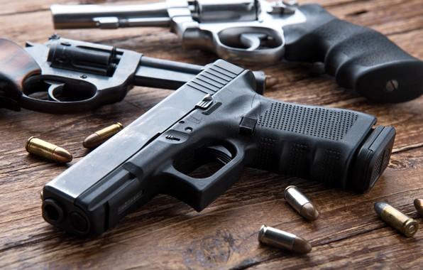 Picture pistols, ammunition, firearms, revolvers