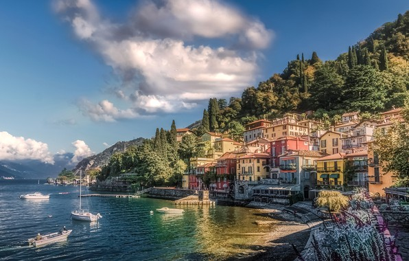 Picture the sun, clouds, trees, mountains, lake, shore, home, boats, Italy, Como Lake, Varenna