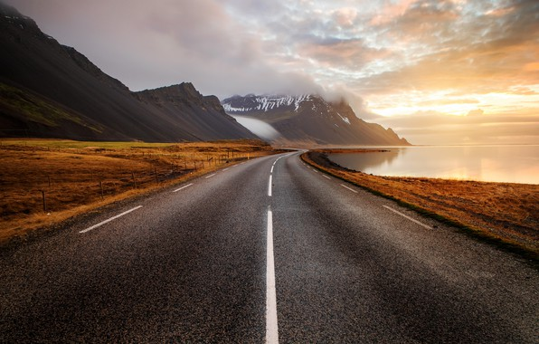 Picture road, sea, Iceland