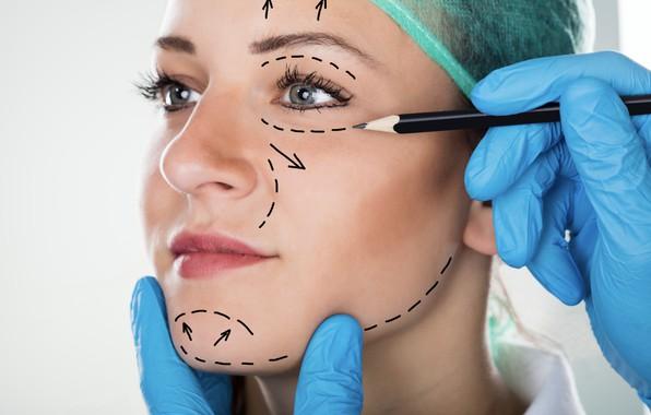 Picture woman, lines, face, surgeon, measures