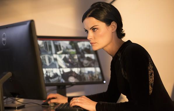 Picture computer, look, pose, the series, monitors, Jaimie Alexander, Jamie Alexander, Blindspot, Blind spot, Jane DOE, …