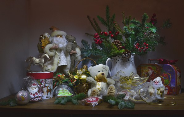 Picture branches, berries, holiday, toys, new year, spruce, bear, sweets, pitcher, Santa Claus, bumps, gingerbread, Valentina …