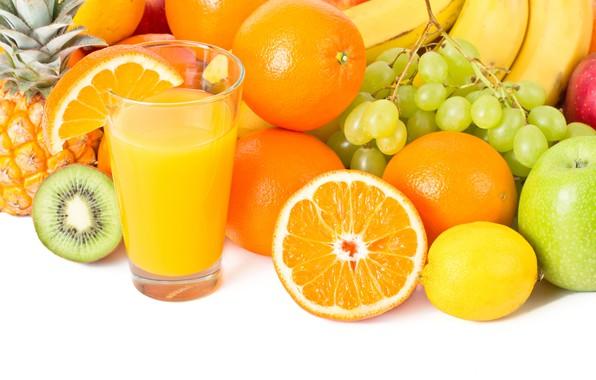 Picture glass, lemon, apples, oranges, kiwi, juice, grapes, bananas, white background, fruit, pineapple