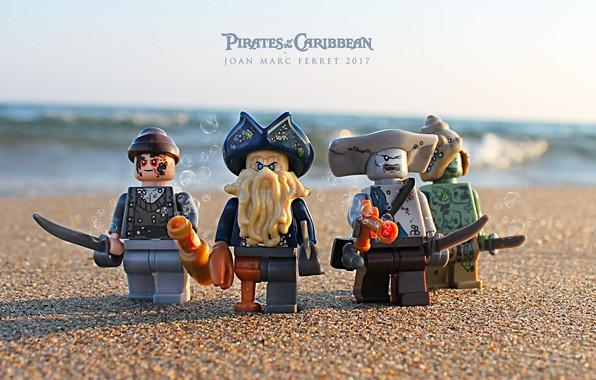 Picture sword, beach, photography, macro, sand, Davy Jones, toys, Lego, Pirates of the Caribbean, pirates, miscellanea