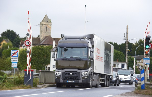 Picture bridge, signs, truck, Renault, cars, tractor, 4x2, the trailer, Renault Trucks, T-series