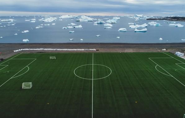 Picture sea, field, football, shore