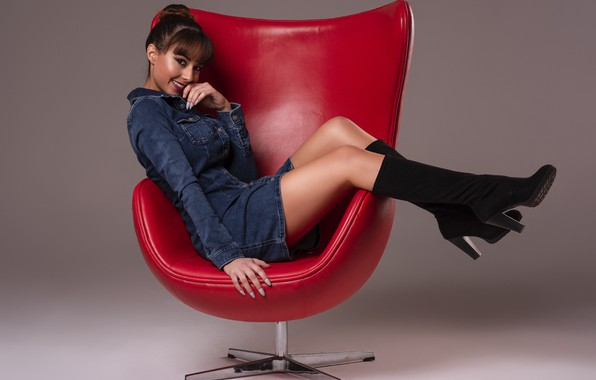 Picture smile, sweetheart, chair, dress, brown hair, boots, beautiful legs, Ana Victoria