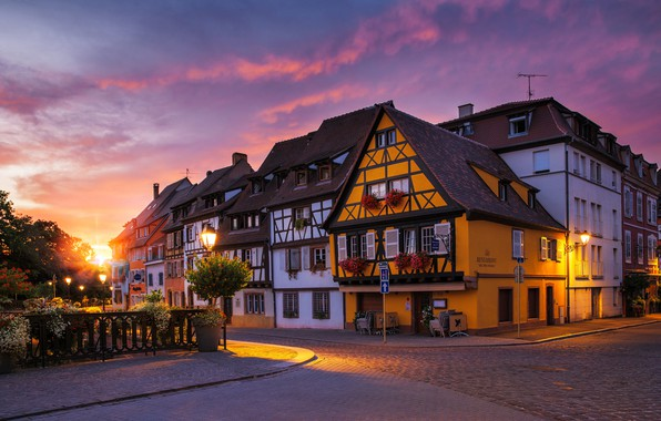 Picture the sun, rays, the city, dawn, street, France, home, morning, lights, Colmar