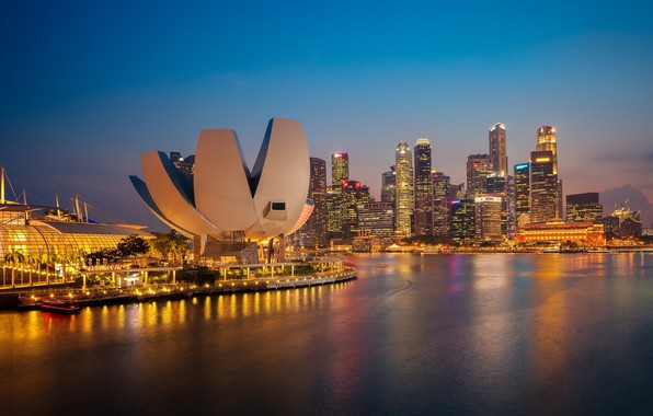 Picture the city, the evening, Singapore