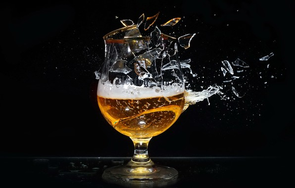 Picture fragments, glass, beer
