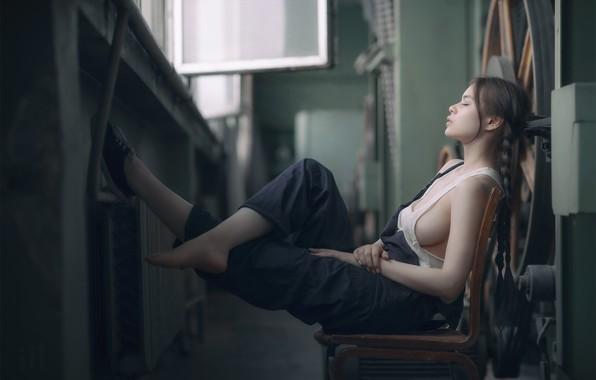 Picture chest, stay, Mike, Maya, shop, braids, overalls, Maya Shakhnazarov, Ivan Dark