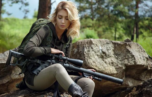 "Picture Girl, Sniper rifle Lobaeva, DVL-M1 10 ""Saboteur"""