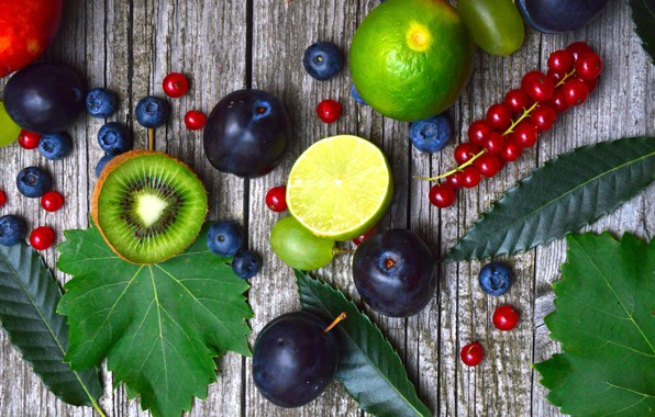 Picture berries, kiwi, blueberries, currants, wood, drain
