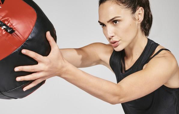 Picture girl, pose, model, the ball, Sports, workout, fitness, Gal Gadot, Gal Gadot, Reebok, crossfit, training …