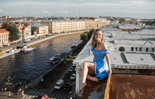 Picture girl, the city, height, laughter, on the roof, Maxim Ivanov, not scary?
